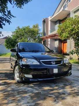 Honda civic vti 2004 at low km