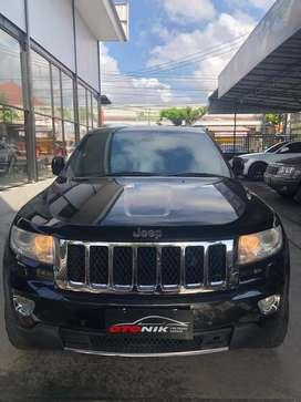 New Grand cherokee 5,7 overland, pmk 2013, low km hrg cuma 435 jt