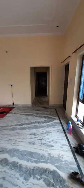 2 room set in tapovan enclave aam wala and 1 room in chukuwala