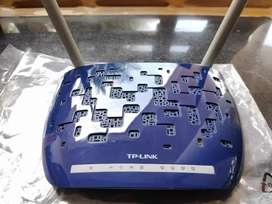 TP-LINK 300Mbps Wireless/WiFi N ADSL2+ Modem Router | TD-W8960N