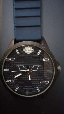 new WATCH IN ALL NEW CONDITION