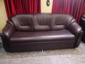 Damro rexine sofa, 1.5 years