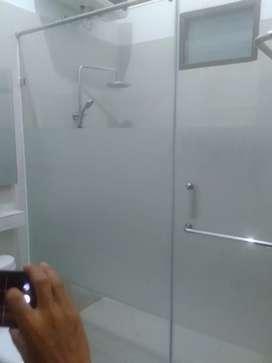 Terima pemesanan & pemasangan kaca shower room atau kamar mandi