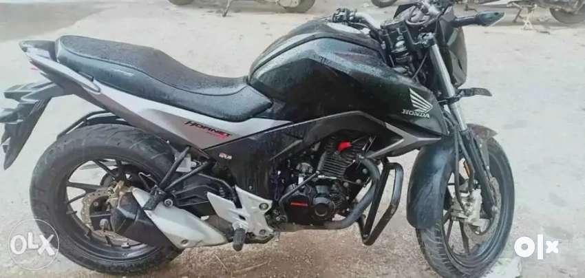 Honda Hornet CB160R 0