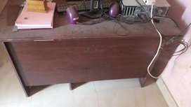I want to sell office table and chair gud condition