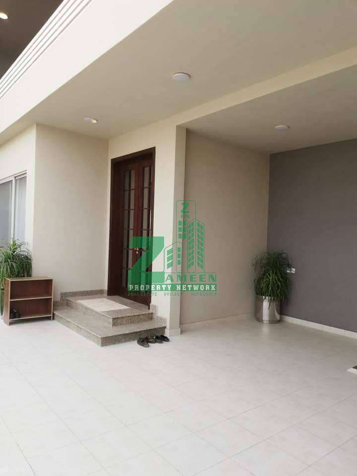 5 Bed Villa is available in Bahria Town Karachi. 0
