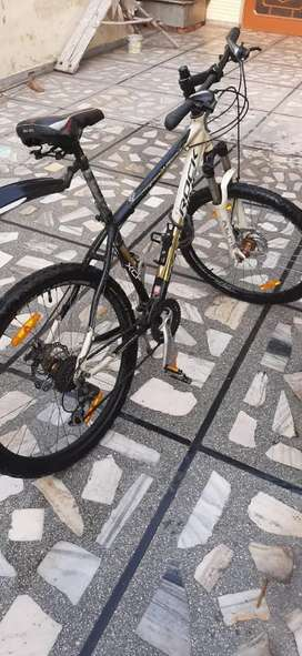 Rock Machine 24 gears cycle