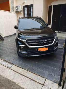 Wuling almaz LUX 5 seater