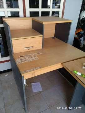 Meja belajar dengan kualitas apa adanya