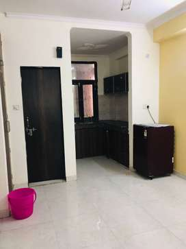 1bhk semi furnished flat