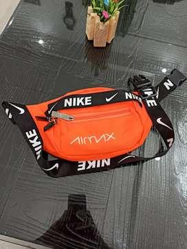 Nike stylish chest bag