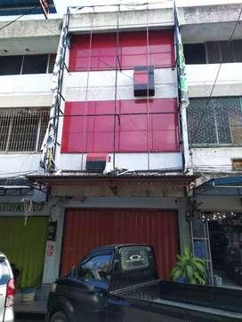 Ruko 3 1/2 lantai, dengan konstruksi permanen & kualitas bangunan baik