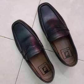 Sepatu kulit size 41
