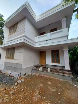9.5 cent 1400 sqft new build  at aluva paravur road Malikampeedika
