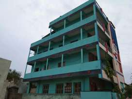 4 floors building with 8 flats
