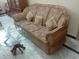 05 Seater Sofa in excellent quality