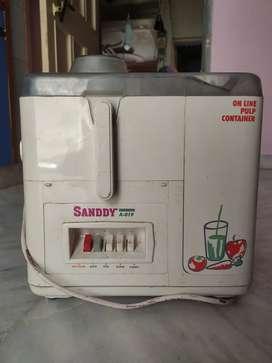 Sandy Fully working Juicer