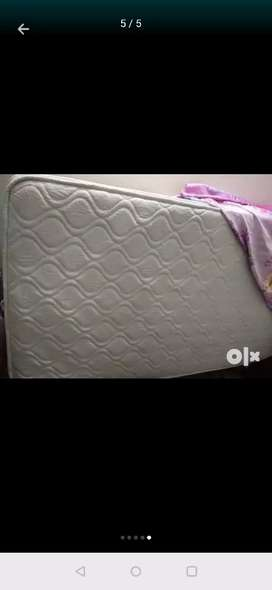 Spring mattress 3*6 in mint condition