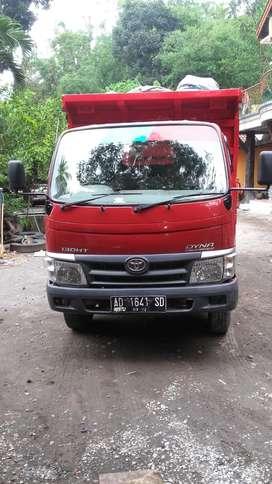 Dump Truk Toyota Dyna 2012