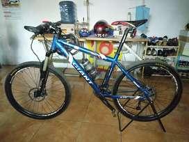 Sepeda Gunung Merek GIANT xtc embos