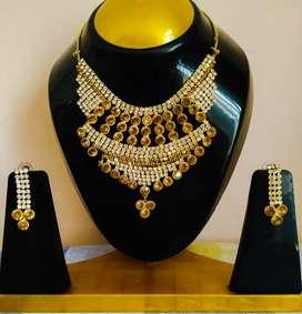 Jewellery/ Necklace