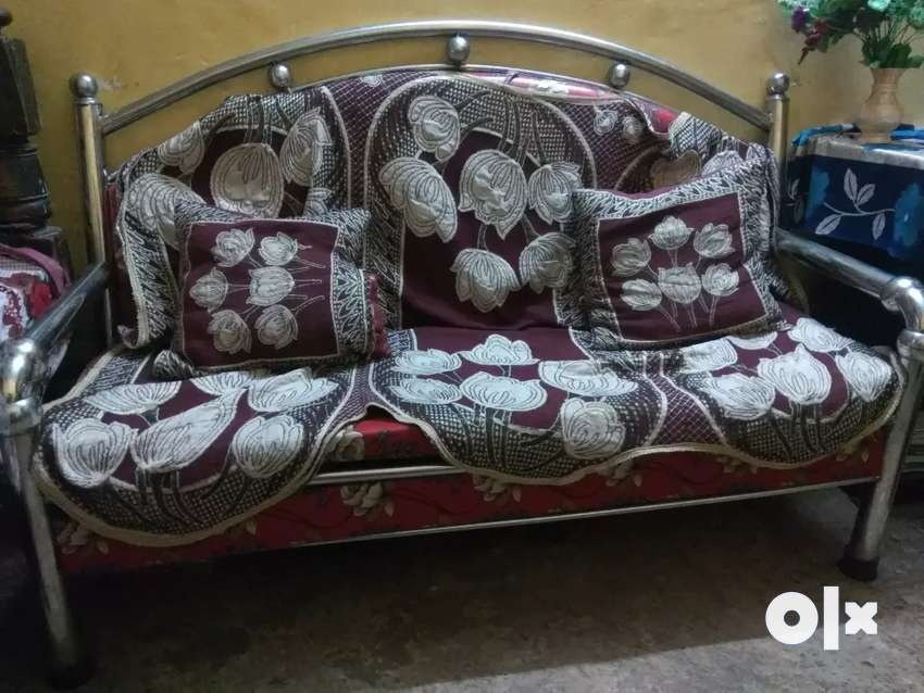 Sofa set with beautiful lookss 0
