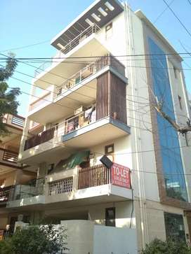 BRAND NEW PREMIUM WELL MAINTAINED PG IN GURGAON...