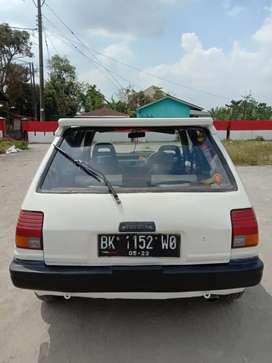 Mobil Starlet tahun 1986 bekas