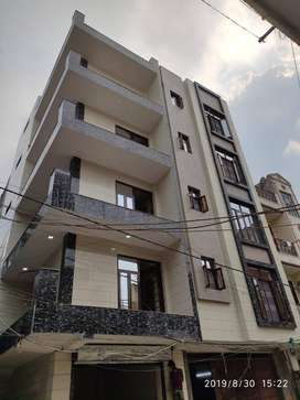 3 BHK FRONT SIDE L-TYPE FLAT WITH ALL AMENITIES @ AFFORDABLE RATES...