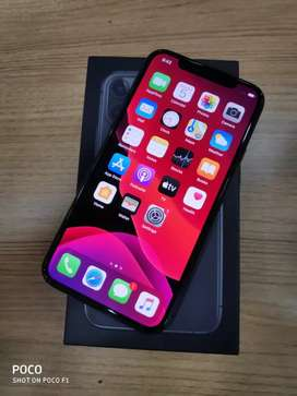 10 days old iphone 11 pro 64GB at just 88900