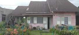 Dijual tanah dengan bangunan rumah tinggal semi permanen