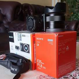Dijual Sony Mirrorless A6000 + Lensa Fix Sony 35mm