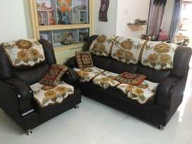 Brand new 6 months lod Sofa 3+1 and dining table with two chairs
