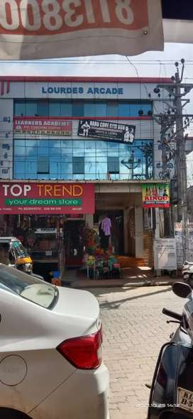 Shop space for rent