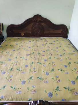 Bed in good condition made up of sagwan wood