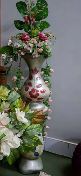 Decoration flower with one stand and one vase