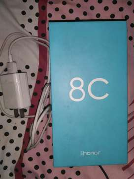 honor 8C 4Gb &32Gb with complete accessories