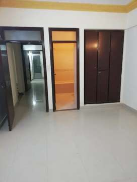 2000 sqf appartment for rent 3 bedroom.