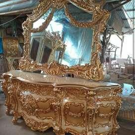 Meja Konsul resin gold classic