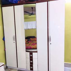 Bed and wardrobes
