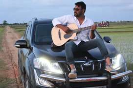 Lightning black XUV500 W10. Top model and single used