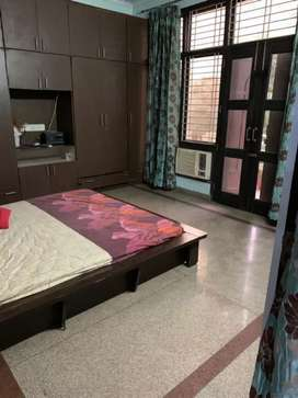 Low price boys PG at best location in sector 39 Noida