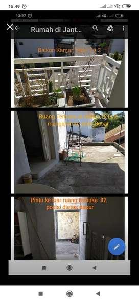 Dijual atau disewakan Rumah 2 lantai modern minimalis di jantung kota