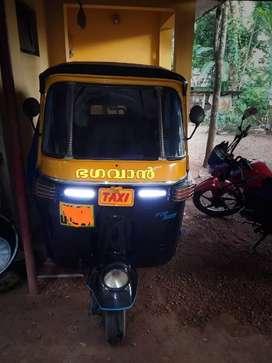Bajaj outo  full condition petrol outo