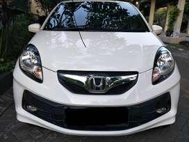 Honda Brio E CKD terawat Warna Putih