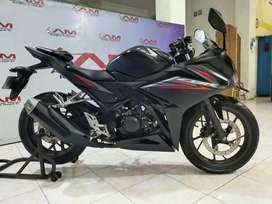 Honda New CBR 150 R facelift hitam th 2018