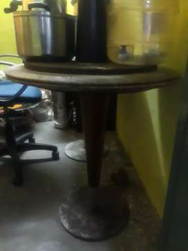 Hotel Table Available 4 NOS