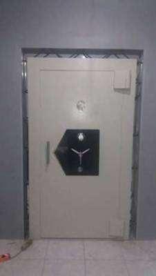 Pintu Khasanah Safe Ambon Maluku Pintu Bank Vault Door Pintu Kluis PKZ