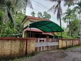 8.3 Cents land with old house for sale at Giri nagar, Kadavanthra