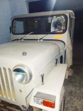 well condition 'mahindra jeep grey colour